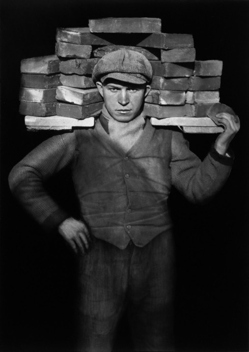 Paul Strand, 1928, The Brick Layer